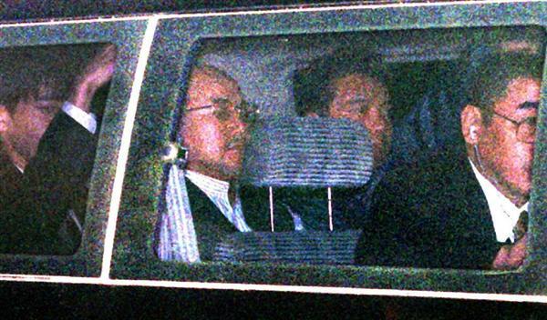 ecn1610310001-p3_大阪拘置所に移送される許永中氏=1999年11月6日