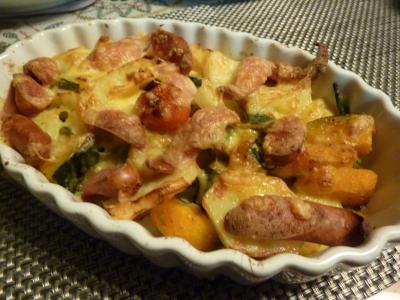 根菜とウインナーのチーズ焼き