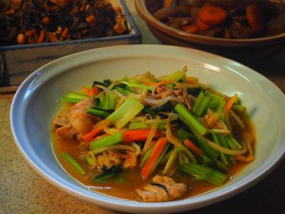 小松菜とモヤシのオイスターソース炒め