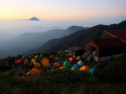 朝北岳山荘