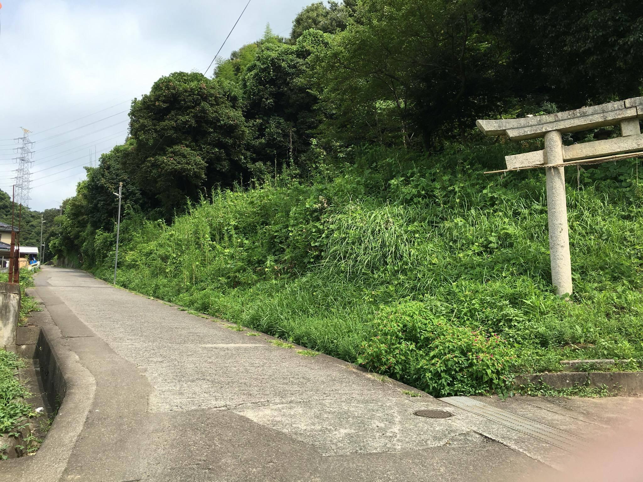 大門への道10
