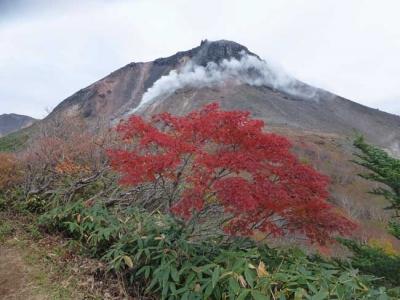 紅葉と茶臼岳
