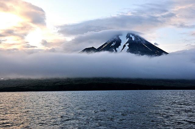 キスカ富士と霧