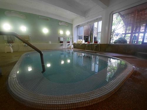 モダンタイル風呂