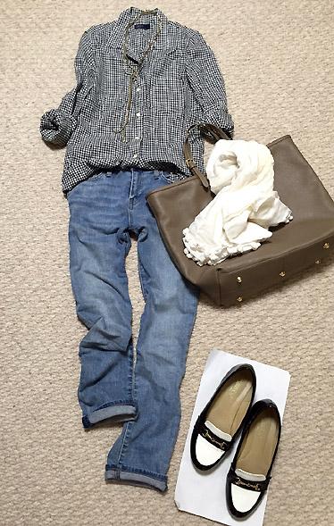「ギンガムチェックシャツ×デニムパンツ」で休日爽やかコーデ