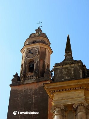 ★旧市街の丘の上のサンミシェル教会downsize