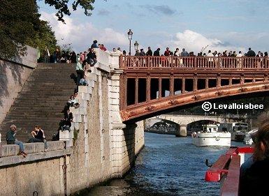 ドゥーブル橋のシテ島側REVdownsize