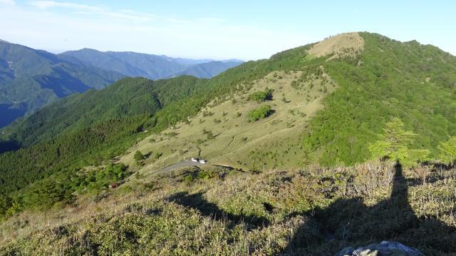 標高差で70m登山道を登ってふりかえる