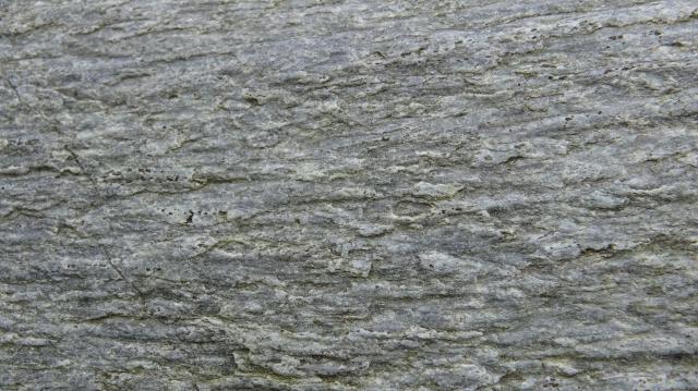 石の表情はさまざま