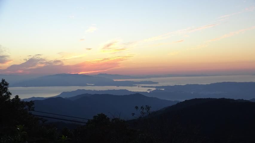 鳴門海峡を望む