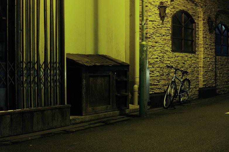 フリー画像夜の通り