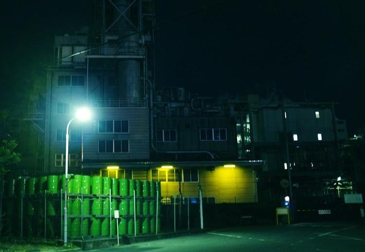 フリー画像夜の工場