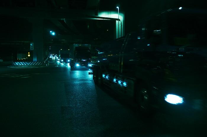 フリー画像夜の渋滞