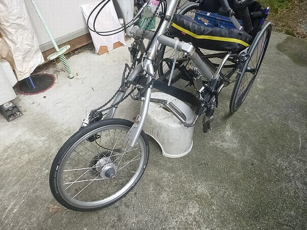 ハンドバイクタイヤ交換