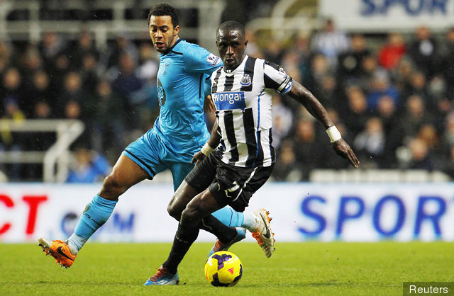 tottenham_hotspurs_mousa_dembele_l_in_action_with_newcastle_unit_154749.jpg