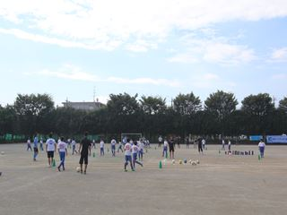 サッカー教室 鶴ヶ島長久保小学校にて 2016-10-2 (7)_R