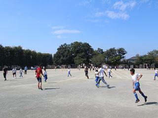 サッカー教室 鶴ヶ島長久保小学校にて 2016-10-2 (18)_R