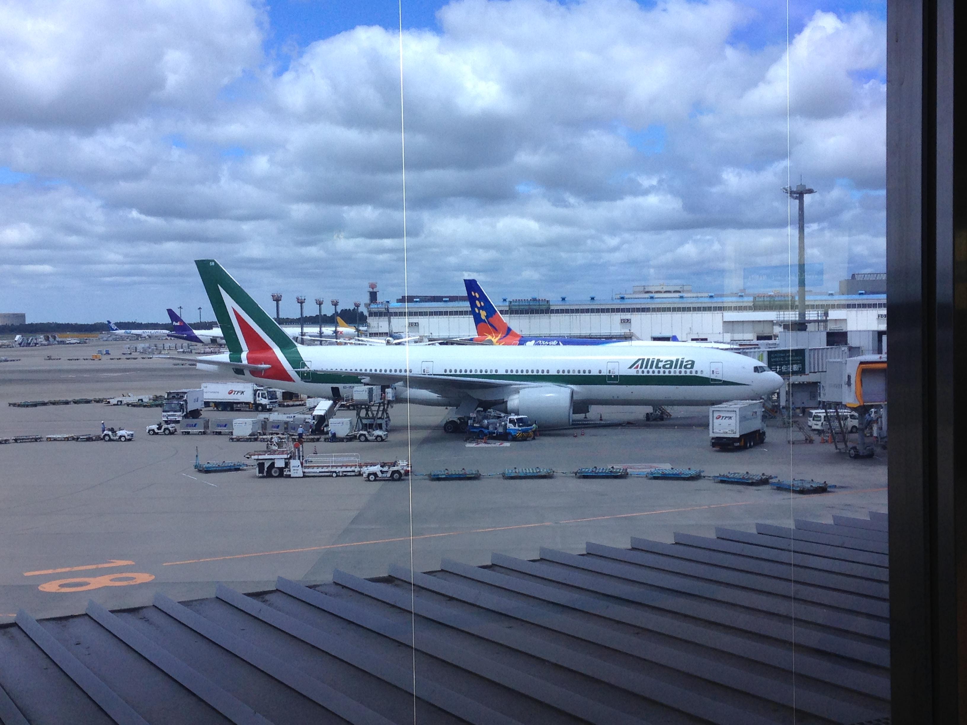 イタリア行きアリタリア航空