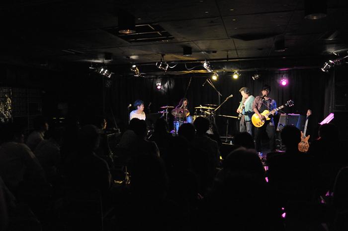 鳴海527B