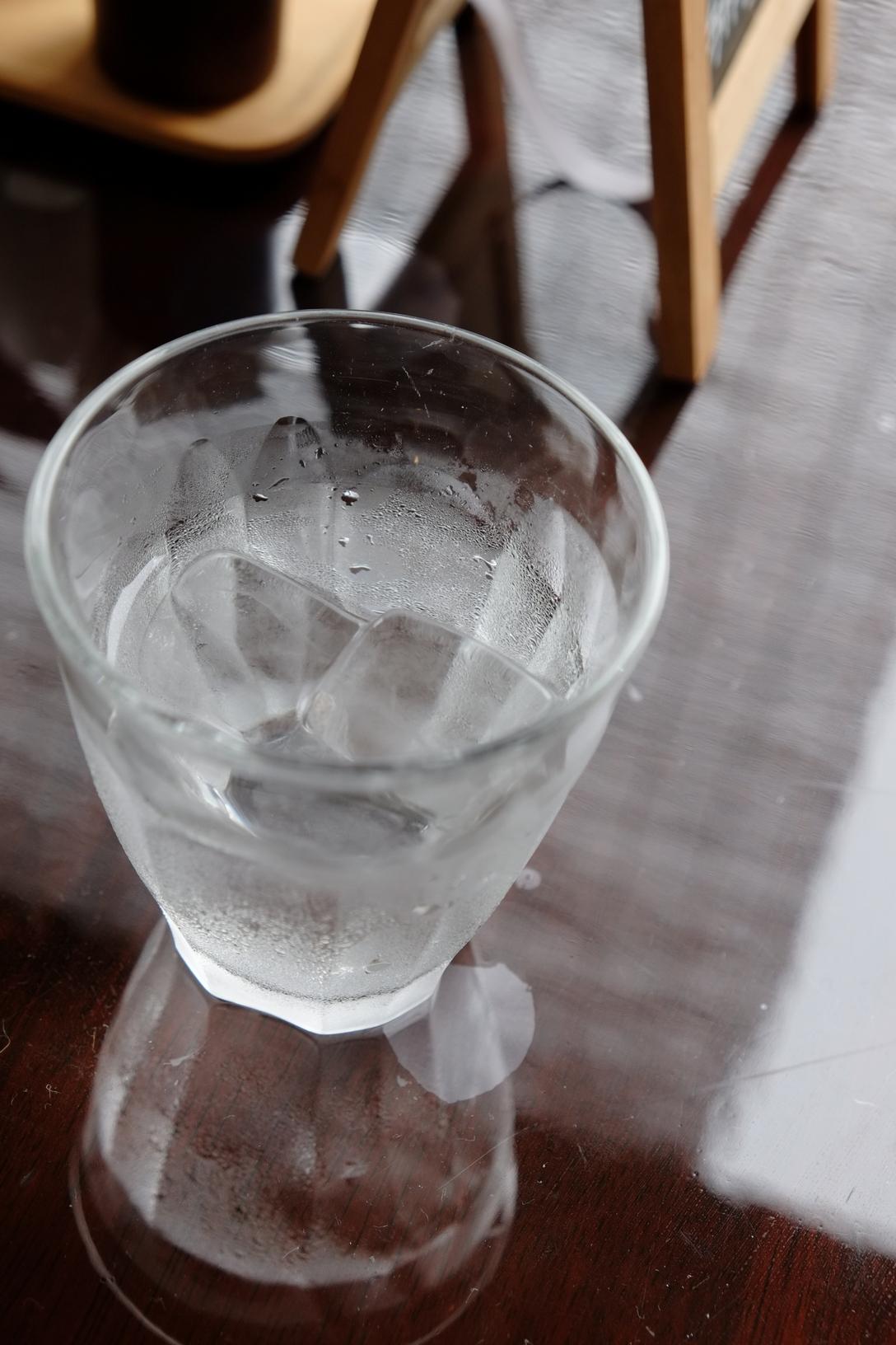 テラスの水