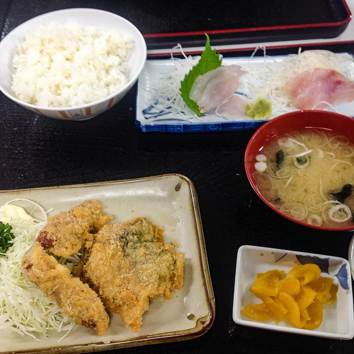 魚市場食堂 早川漁港 4