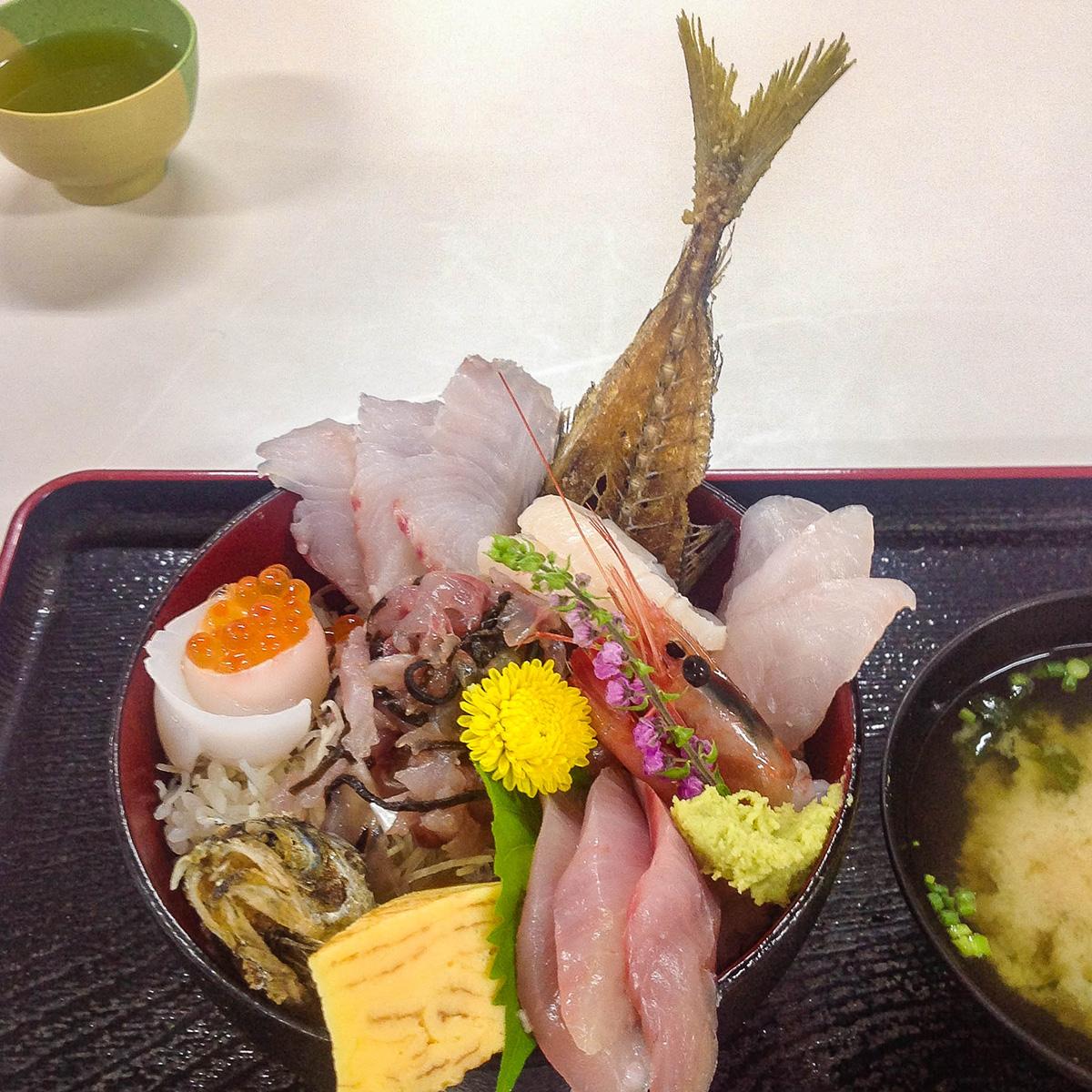 魚市場食堂 早川漁港 5