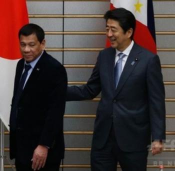newsドゥテルテ比大統領、安倍首相と会談 親日姿勢を強調