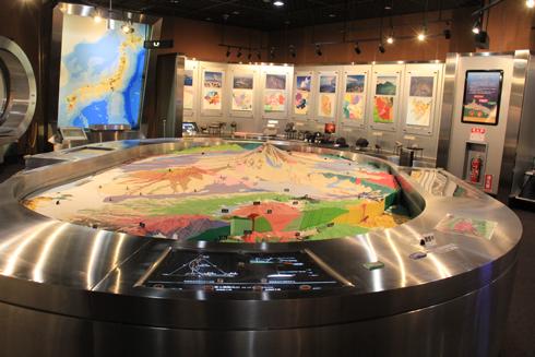 産総研地質標本館2016-18