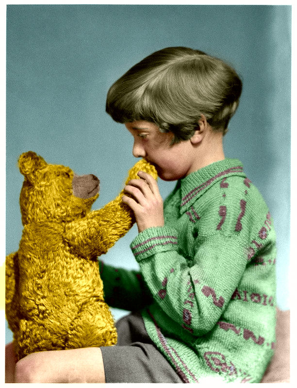 the-real-winnie-the-pooh-and-christopher-robin-ca-1927.jpg
