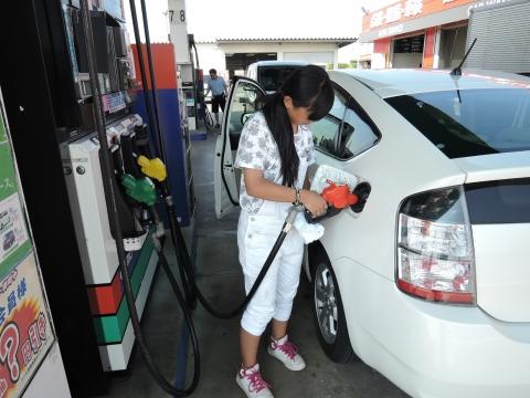 初めてのガソリン給油②