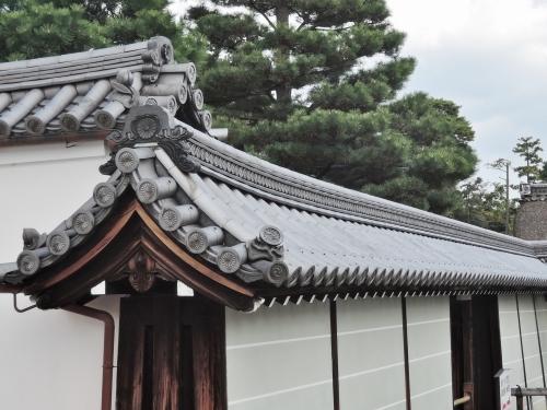 500妙心寺の瓦を見て6