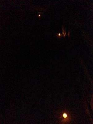 真っ暗倉庫