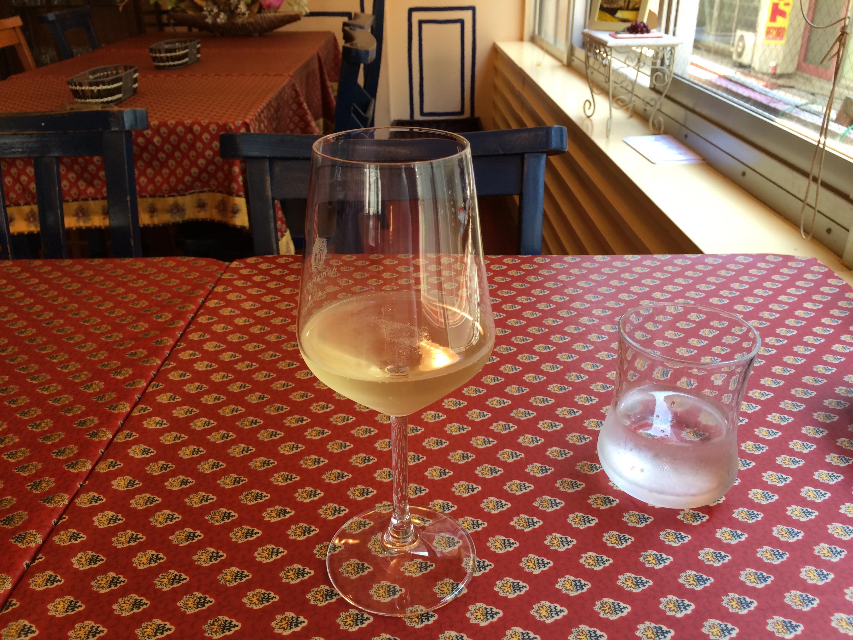 クッチーナラトリエスパークリングワイン