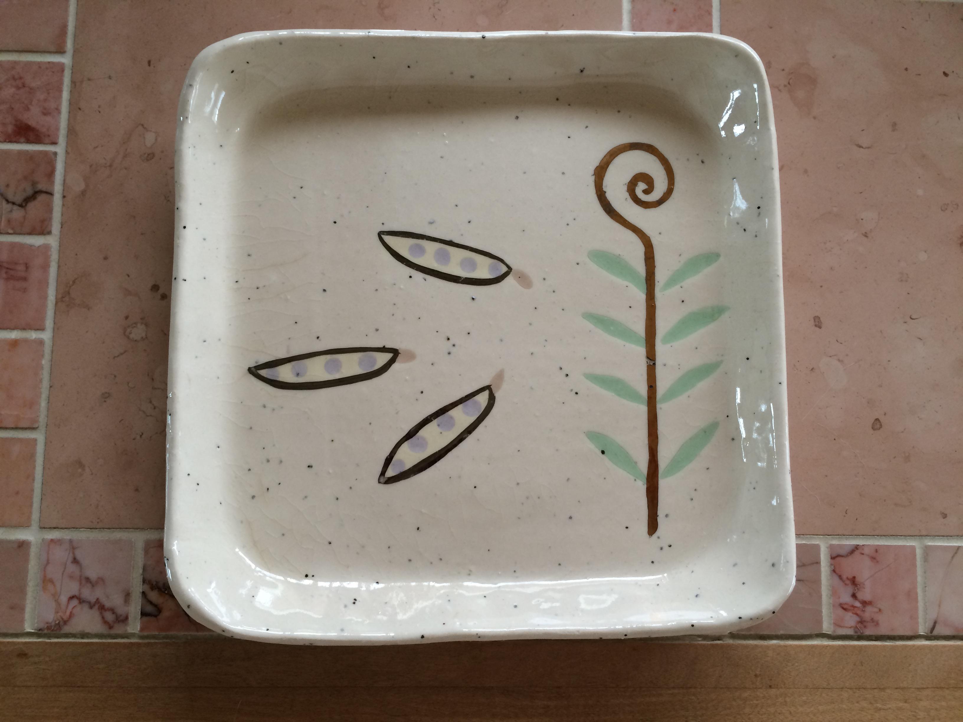 豆模様四角皿