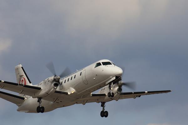 3X SAAB 340B JA8703 RJOM 160208 02