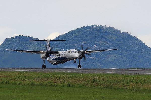 EH DHC-8-402Q JA855A 160709 01