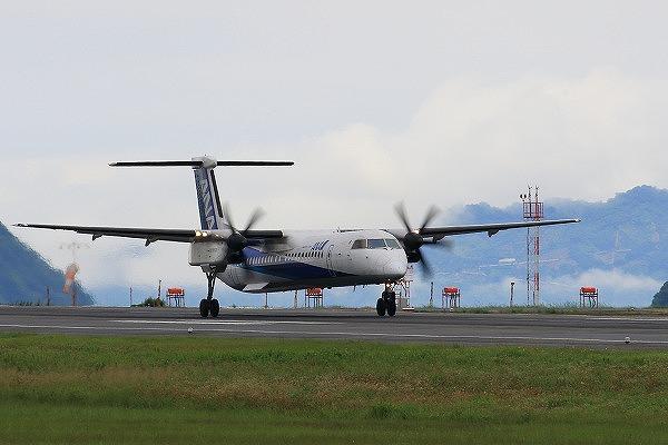 EH DHC-8-402Q JA855A 160709 02