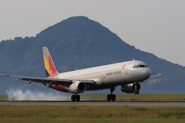 AAR A321-231 HL8277 RJOM 190731 01