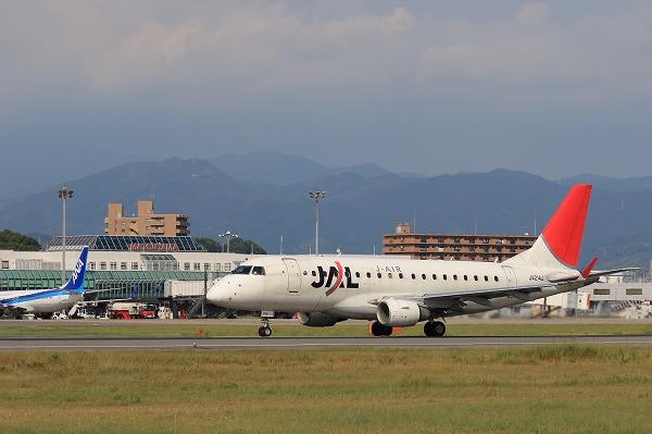3X ERJ-170-100 JA214J RJOM 160731 01