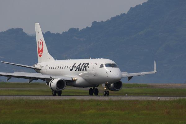 XM ERJ170-100 JA225J RJOM 1607 24 01