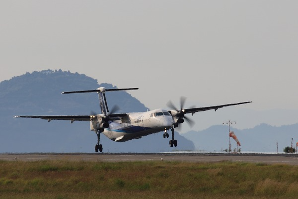 NH DHC-8-402Q JA859A RJOM 01