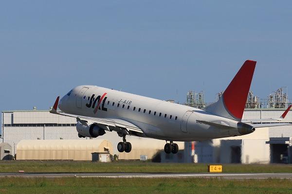 XM ERJ-170-100 JA217J RJOM 161010 02