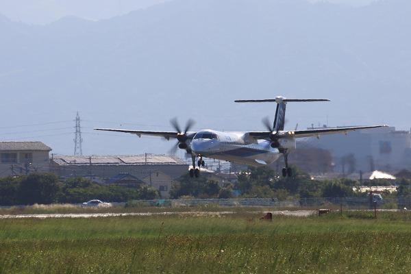 EH DHC-8-402Q JA843A RJOM 161010 01