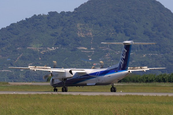 EH DHC-8-402Q JA843A RJOM 161010 04