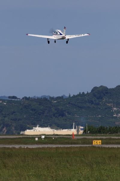 Beechcraft F33A Bonanza UJA3907 RJOM 161010 05