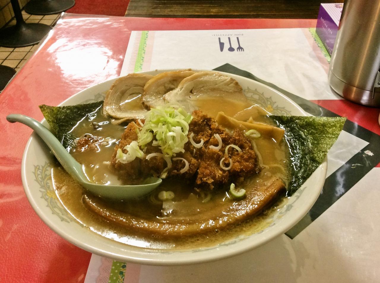 お肉屋さんのラーメン家生治ミート(三匹の子豚麺)