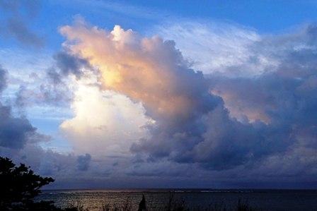 曇り空夜明け後10-18-6-56 DSC09507