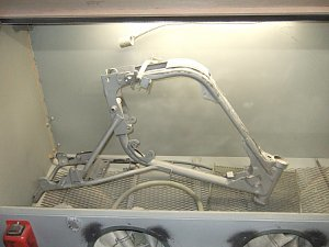 GT50 ブラスト処理中 フレーム