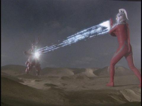 ワイドショットでヴァルキューレ星人を撃破