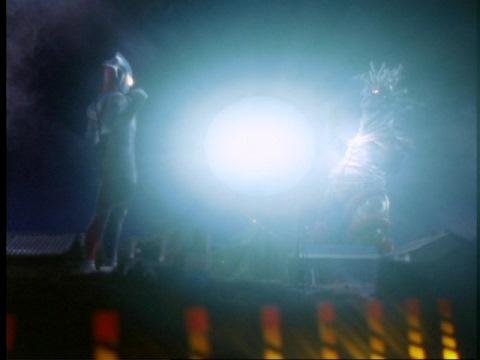 ウルトラマンティガのタイマーフラッシュで、バクゴンを消し去った